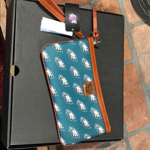 NWT Dooney & Bourke Philadelphia Eagles Wristlet